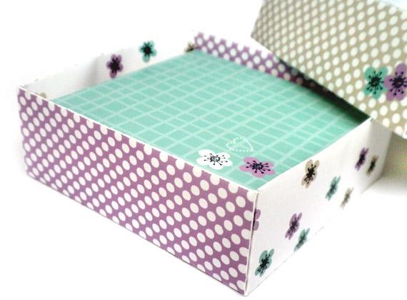 Dreaming on a Star - Parasols & Kokeshi Dolls Notelets & Box